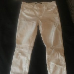 JBRAND size 28 white skinny distressed jeans